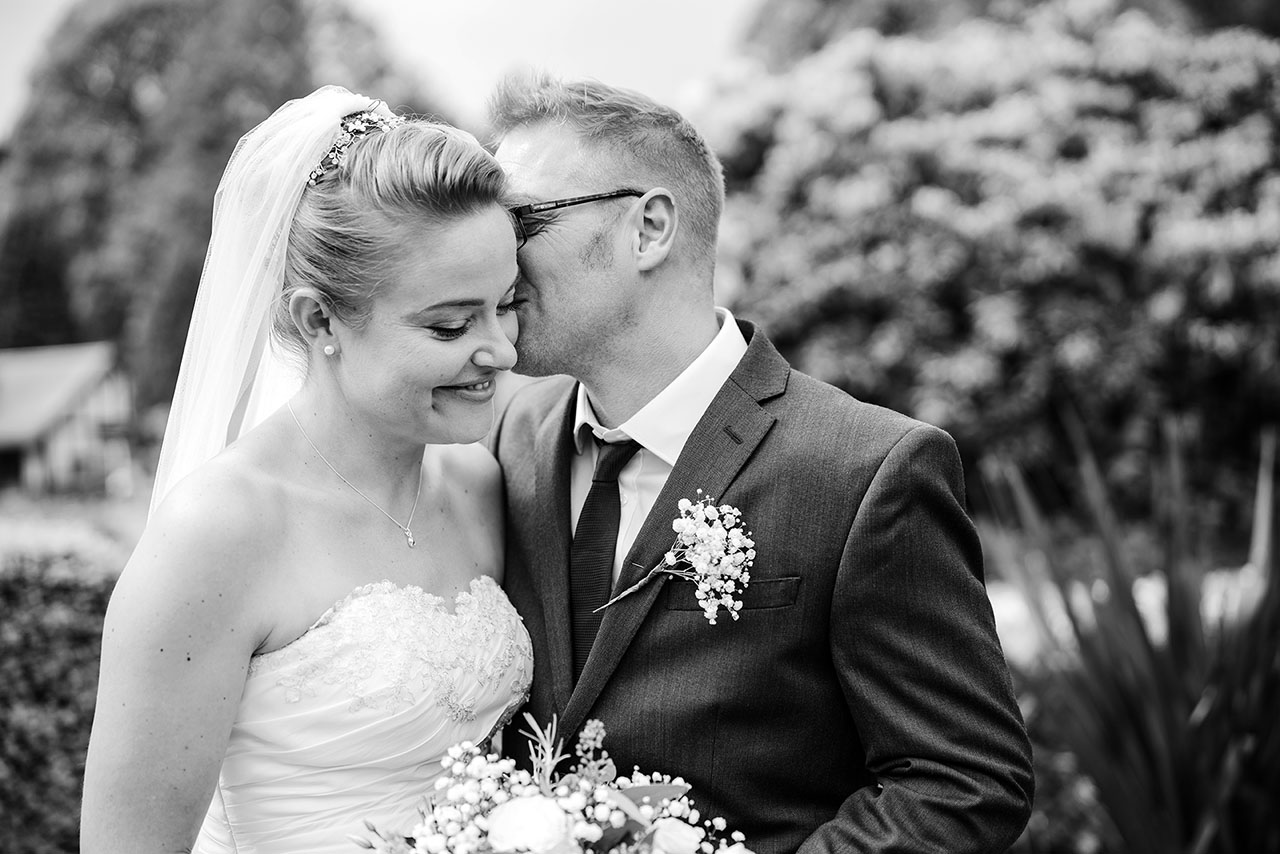 wedding photography by Lovepear at The Barn Tunbridge Wells